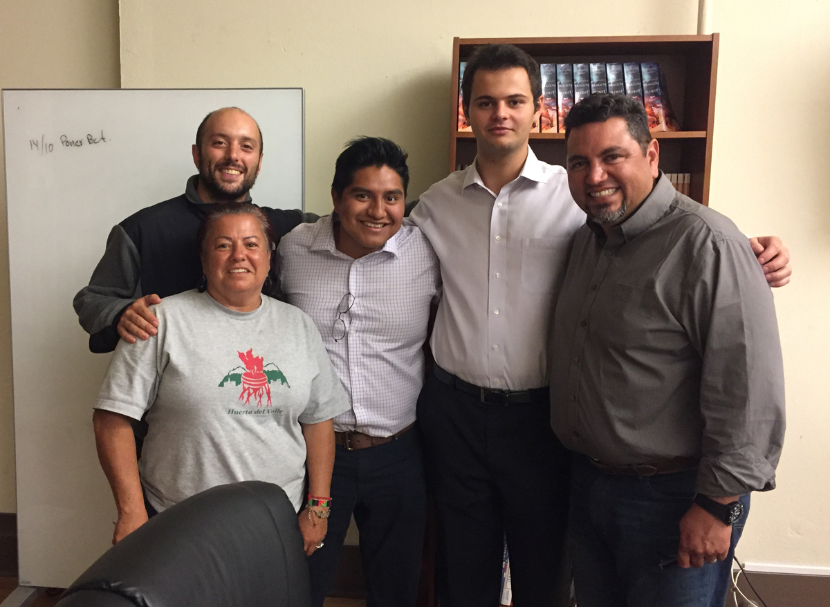 Fausto Reyes meets with Huerta del Valle