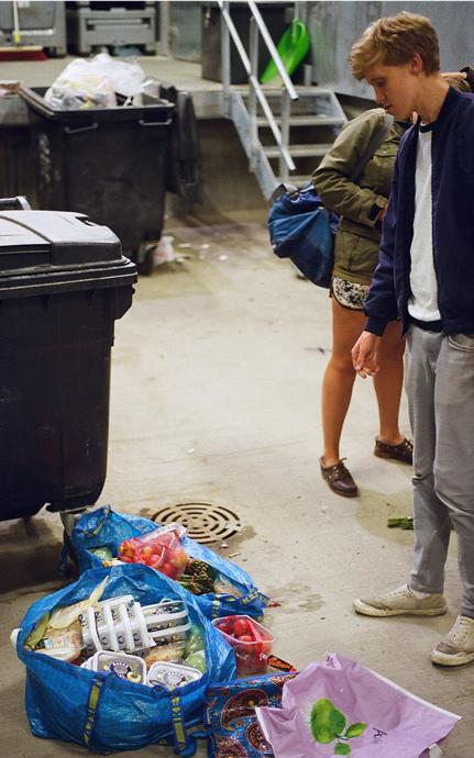 dumpster-diving-in-denmark-006
